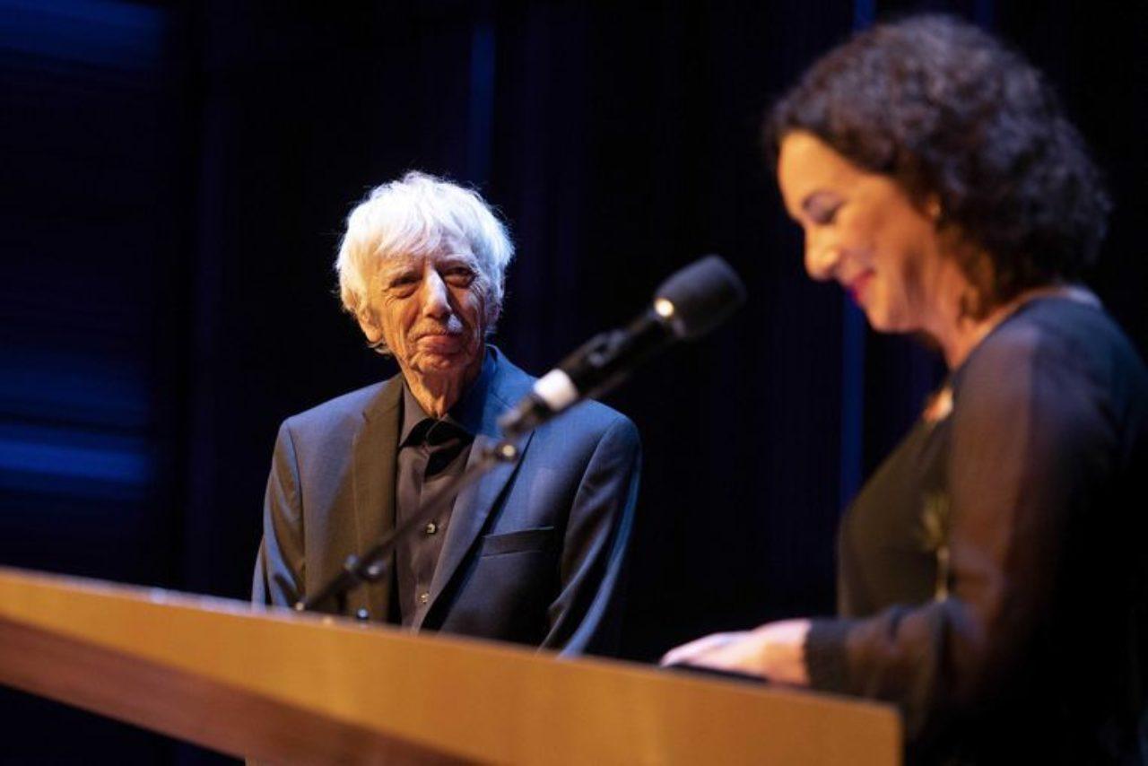 Reinbert de Leeuw ontvangt de Zilveren Medaille van de stad Amsterdam en de Prins Bernhard Cultuurfonds Prijs